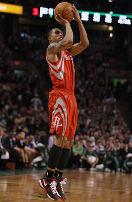 BOSTON, MA - JANUARY 10:  Courtney Lee #5 of the Houston Rockets takes a shot in the second half against the Boston Celtics on January 10, 2011 at the TD Garden in Boston, Massachusetts.  The Rockets defeated the Celtics 108-102. NOTE TO USER: User expres