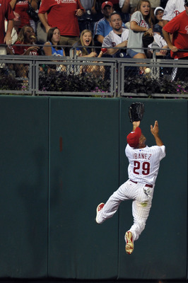 PHILADELPHIA, PA - JULY 26: Raul Ibanez #29 of the Philadelphia Phillies catches a fly ball hit by Pablo Sandoval #48 of the San Francisco Giants at Citizens Bank Park on July 26, 2011 in Philadelphia, Pennsylvania. (Photo by Drew Hallowell/Getty Images)