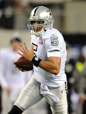 ARLINGTON, TX - NOVEMBER 26:  Quarterback Bruce Gradkowski #5 of the Oakland Raiders runs against the Dallas Cowboys at Cowboys Stadium on November 26, 2009 in Arlington, Texas.  (Photo by Ronald Martinez/Getty Images)
