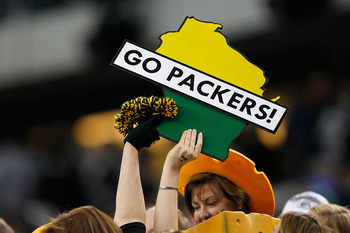 ARLINGTON, TX - FEBRUARY 06: A fan holds up a sign reading 'Go Packers!' during Super Bowl XLV at Cowboys Stadium on February 6, 2011 in Arlington, Texas.  (Photo by Kevin C. Cox/Getty Images)