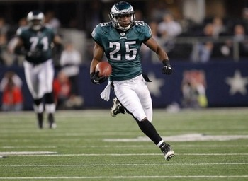 Lesean-mccoy-cowboys2-e1292340871473_display_image