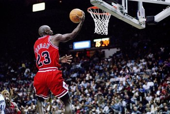 29 Nov 1997:  Guard Michael Jordan of the Chicago Bulls jumps to the basket during a game against the Washington Wizards at the US Airways Arena in Landover, Maryland.  The Bulls won the game 88-83. Mandatory Credit: Doug Pensinger  /Allsport