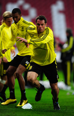 UTRECHT, NETHERLANDS - SEPTEMBER 29:  Jamie Carragher Liverpool warm up during a Liverpool training session and press conference at the Galgenwaard Stadium on September 29, 2010 in Utrecht, Netherlands.  (Photo by Jamie McDonald/Getty Images)