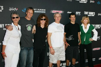 LOS ANGELES, CA - OCTOBER 07:  (L-R)  Jamie Lee Curtis, Tony Hawk, Shaun White, Kevin Johnson, Matt Hoffman, and Leeza Gibbons arrive for Tony Hawk's Proving Ground Stand Up For Skateparks event at a private residence on October 7, 2007 in Los Angeles, Ca