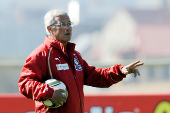 CENTURION, SOUTH AFRICA - JUNE 22:  Head coach Marcello Lippi issues instructions during an Italy training session ahead of their 2010 FIFA World Cup Group Stage Round 3 Group F match against Slovakia  on June 22, 2010 in Centurion, South Africa.  (Photo