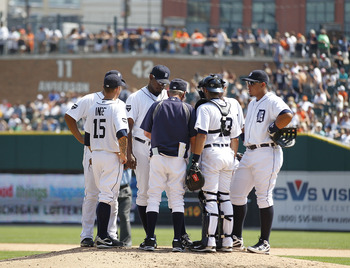 DETROIT - JULY 17: Detroit Tigers manager Jim Leyland #10 talks with Jose Valverde #46 during the ninth inning of the game against the Chicago White Sox at Comerica Park on July 17, 2011 in Detroit, Michigan. The Tigers defeated the White Sox 4-3. (Photo