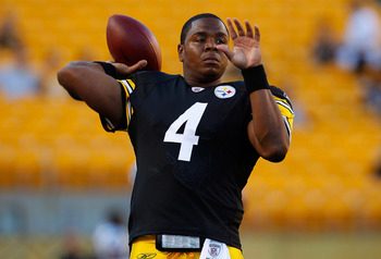 PITTSBURGH - AUGUST 25:  Byron Leftwich #4 of the Pittsburgh Steelers warms up prior to the preseason game against the Carolina Panthers on September 2, 2010 at Heinz Field in Pittsburgh, Pennsylvania.  (Photo by Jared Wickerham/Getty Images)