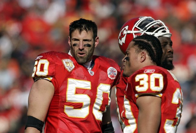 KANSAS CITY, MO - DECEMBER 20:  Mike Vrabel #50 of the Kansas City Chiefs looks on during their NFL game against the Cleveland Browns on December 20, 2009 at Arrowhead Stadium in Kansas City, Missouri. The Browns defeated the Chiefs 41-34. (Photo by Jamie