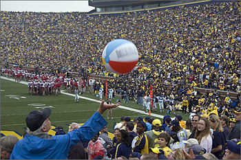 Event-photography-beach-ball-football-game_display_image