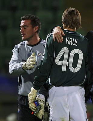 PALERMO, ITALY - NOVEMBER 02:  Newcastle manager Glenn Roeder and Steve Harper (L) congratulate keeper Tim Krul after the UEFA Cup Group H Match between Palermo and Newcastle United at the Renzo Barbera Stadium on November 2 2006 in Palermo, Itlay.  (Phot