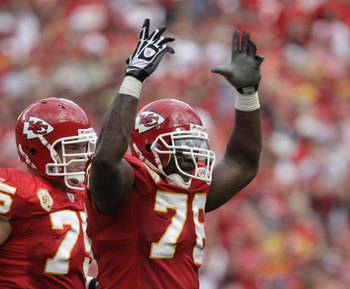 KANSAS CITY, MO - SEPTEMBER 20:  Branden Albert #76 of the Kansas City Chiefs reacts during the game against the Oakland Raiders at Arrowhead Stadium on September 20, 2009 in Kansas City, Missouri. (Photo by Jamie Squire/Getty Images)