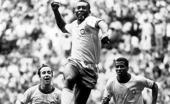 http://theinspirationroom.com/daily/print/2008/8/pele-victory.jpg