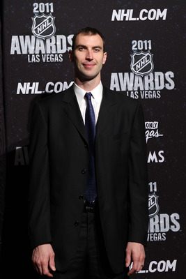 LAS VEGAS, NV - JUNE 22:  Zdeno Chara of the Boston Bruins arrives at the 2011 NHL Awards at the Palms Casino Resort June 22, 2011 in Las Vegas, Nevada.  (Photo by Bruce Bennett/Getty Images)