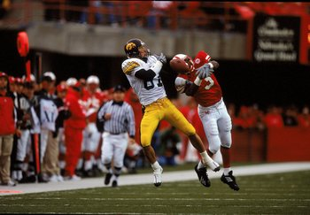 23 Sep 2000: Kevin Kasper #87 of the  Iowa Hawkeyes leaps to catch the ball as Keyno Craver #3 of the Nebraska Cornhuskers misses the catch at the Memorial Stadium in Lincoln, Nebraska. The Cornhuskers defeated the Hawkeyes 42-13.Mandatory Credit: Brian B