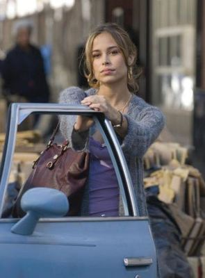Zulay_valez_fighting_display_image
