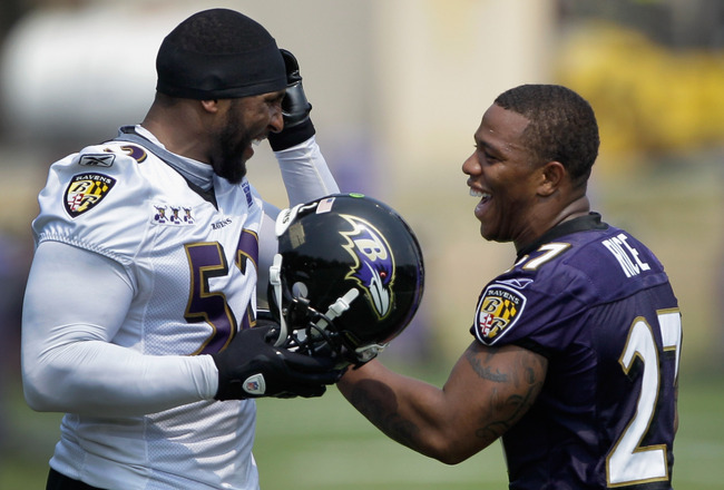 OWINGS MILLS, MD - JULY 29: Lineback Ray Lewis #52 and running back Ray Rice #27 of the Baltimore Ravens joke around during training camp on July 29, 2011 in Owings Mills, Maryland.  (Photo by Rob Carr/Getty Images)