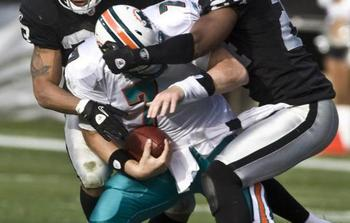 Miami-dolphins-chad-henne-sacked-in-oakland-california_display_image
