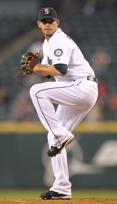 SEATTLE - SEPTEMBER 15:  Starting pitcher David Pauley #39 of the Seattle Mariners pitches against the Boston Red Sox at Safeco Field on September 15, 2010 in Seattle, Washington. (Photo by Otto Greule Jr/Getty Images)