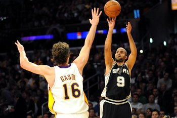 LOS ANGELES, CA - JANUARY 25:  Tony Parker #9 of the San Antonio Spurs shoots the ball over Pau Gasol #16 of the Los Angeles Lakers during the game at the Staples Center on January 25, 2009 in Los Angeles, California.  The Lakers defeated the Spurs 99-85.