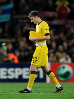 BARCELONA, SPAIN - MARCH 08:  Nicklas Bendtner of Arsenal trudges off the pitch at the end of the UEFA Champions League round of 16 second leg match between Barcelona and Arsenal on March 8, 2011 in Barcelona, Spain.  (Photo by Jasper Juinen/Getty Images)