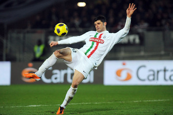 TURIN, ITALY - FEBRUARY 26:  Vincenzo Iaquinta of Juventus FC in action during the Serie A match between Juventus FC and Bologna FC at Olimpico Stadium on February 26, 2011 in Turin, Italy.  (Photo by Valerio Pennicino/Getty Images)