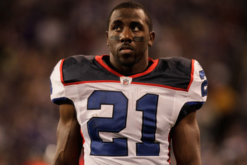 MINNEAPOLIS, MN - DECEMBER 05:  C.J. Spiller #21 of the Buffalo Bills on the sideline against the Minnesota Vikings at the Mall of America Field at the Hubert H. Humphrey Metrodome on December 5, 2010 in Minneapolis, Minnesota.  (Photo by Nick Laham/Getty