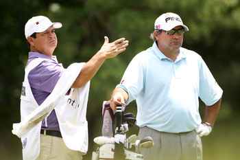 Navarro did a little substitute caddie assignment with Angel Cabrera.