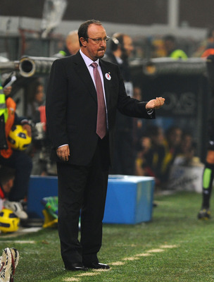 GENOA, ITALY - OCTOBER 29: Head coach Rafael Benitez of FC Internazionale Milano gestures during the Serie A match between Genoa CFC and FC Inter Milan at Stadio Luigi Ferraris on October 29, 2010 in Genoa, Italy.  (Photo by Massimo Cebrelli/Getty Images)