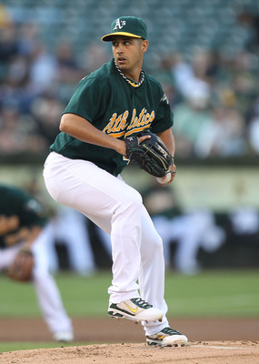 OAKLAND, CA - JULY 29:  Gio Gonzalez #47 of the Oakland Athletics pitches against the Minnesota Twins at O.co Coliseum on July 29, 2011 in Oakland, California.  (Photo by Jed Jacobsohn/Getty Images)