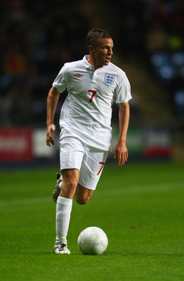 COVENTRY, ENGLAND - OCTOBER 09:  Tom Cleverley of England in action during the UEFA U21 Championship qualifier between England and Macedonia at the Ricoh Arena on October 9, 2009 in Coventry, England.  (Photo by Jamie McDonald/Getty Images)
