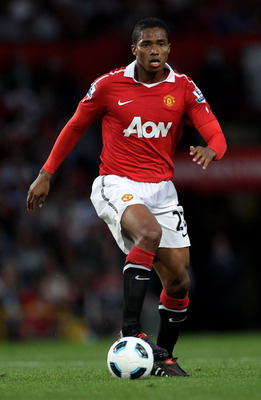 MANCHESTER, ENGLAND - AUGUST 16:  Antonio Valencia of Manchester United in action during the Barclays Premier League match between Manchester United and Newcastle United at Old Trafford on August 16, 2010 in Manchester, England.  (Photo by Alex Livesey/Ge