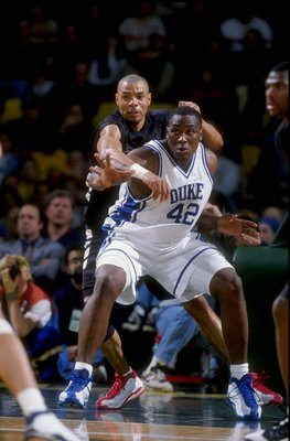 28 Nov 1998:  Forward Elton Brand #42 of the Duke Blue Devils in action during the Carrs Great Alaska Shootout Game against the Cincinnati Bearcats at the Sullivan Arena in Anchorage, Alaska. Mandatory Credit: Todd Warshaw  /Allsport