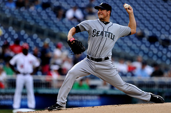 WASHINGTON, DC - JUNE 22: Starting pitcher Erik Bedard #45 of the Seattle Mariners works the first inning against the Washington Nationals at Nationals Park on June 22, 2011 in Washington, DC. (Photo by Patrick Smith/Getty Images)