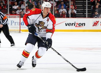 NEWARK, NJ - JANUARY 20:  Stephen Weiss #9 of the Florida Panthers skates against the New Jersey Devils at the Prudential Center on January 20, 2010 in Newark, New Jersey. The Devils defeated the Panthers 2-0.  (Photo by Jim McIsaac/Getty Images)