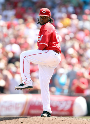 CINCINNATI, OH - JULY 31:  Johnny Cueto #47 of the Cincinnati Reds throws a pitch during the game against the San Francisco Giants at Great American Ball Park on July 31, 2011 in Cincinnati, Ohio.  (Photo by Andy Lyons/Getty Images)