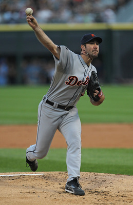 CHICAGO, IL - JULY 26: Starting pitcher Justin Verlander #35 of the Detroit Tigers delivers the ball against the Chicago White Sox at U.S. Cellular Field on July 26, 2011 in Chicago, Illinois. (Photo by Jonathan Daniel/Getty Images)