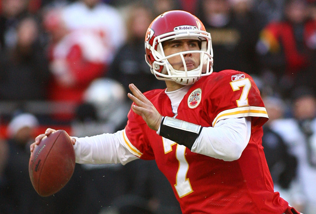 KANSAS CITY, MO - JANUARY 02:  Quarterback Matt Cassel #7 of the Kansas City Chiefs throws a pass in a game against the Oakland Raiders at Arrowhead Stadium on January 2, 2011 in Kansas City, Missouri.  (Photo by Tim Umphrey/Getty Images)