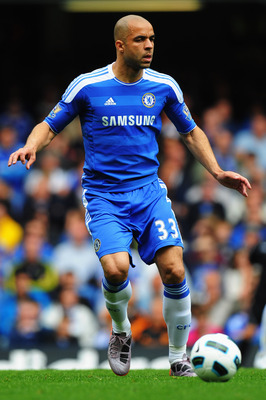 LONDON, ENGLAND - MAY 15:  Alex of Chelsea in action during the Barclays Premier League match between Chelsea and Newcastle United at Stamford Bridge on May 15, 2011 in London, England.  (Photo by Mike Hewitt/Getty Images)