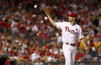 PHILADELPHIA, PA- JULY 30:  Cliff Lee #33 of the Philadelphia Phillies gets the ball back during a game against the Pittsburgh Pirates at Citizens Bank Park on July 30, 2011 in Philadelphia, Pennsylvania.  (Photo by Jeff Zelevansky/Getty Images)