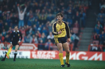 Arsenal player Brian Marwood misses a penalty shot against Nottingham Forest FC, circa 1988. Arsenal won 1-4. (Photo by Russell Cheyne/Getty Images)