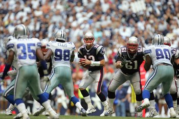 IRVING, TX - OCTOBER 14: Quarterback Tom Brady #12of the New England Patriots looks to pass the ball during the game against the Dallas Cowboys at Texas Stadium on October 14, 2007 in Irving, Texas. (Photo by Ronald Martinez/Getty Images)