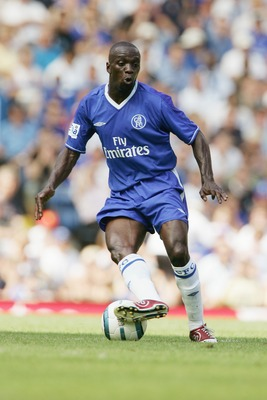 LONDON - AUGUST 8:  Claude Makelele of Chelsea in action during Gianfranco Zola's tribute match between Chelsea and Real Zaragoza at Stamford Bridge on August 8, 2004 in London.  (Photo by Phil Cole/Getty Images)