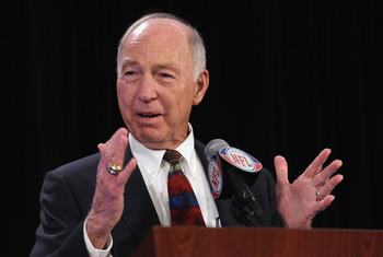 DALLAS, TX - FEBRUARY 02:  Green Bay Packers legend Bart Starr, who is accepting the FedEx Air NFL Player of the Year award on behalf of Aaron Rodgers, speaks with the press at the Super Bowl XLV media center on February 2, 2011 in Dallas, Texas.  (Photo