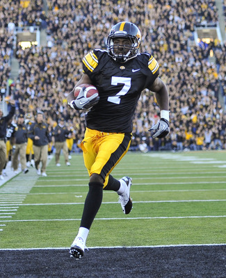 IOWA CITY, IA - OCTOBER 30- Wide receiver Marvin McNutt #7 of the University of Iowa Hawkeyes runs into the end zone for a touch down during the second half of play against the Michigan State Spartans at Kinnick Stadium on October 30, 2010 in Iowa City, I