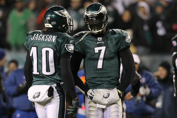 PHILADELPHIA, PA - DECEMBER 02:  Quarterback Michael Vick #7 and DeSean Jackson #10 of the Philadelphia Eagles talk on the field against the Houston Texans at Lincoln Financial Field on December 2, 2010 in Philadelphia, Pennsylvania.  (Photo by Jim McIsaa