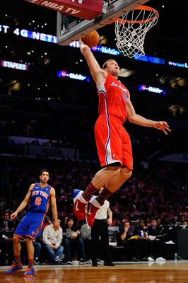 LOS ANGELES, CA - FEBRUARY 18:  Blake Griffin #32 of the Los Angeles Clippers and the Rookie Team dunks the ball in the first half against the Sophomore Team during the T-Mobile Rookie Challenge and Youth Jam at Staples Center on February 18, 2011 in Los