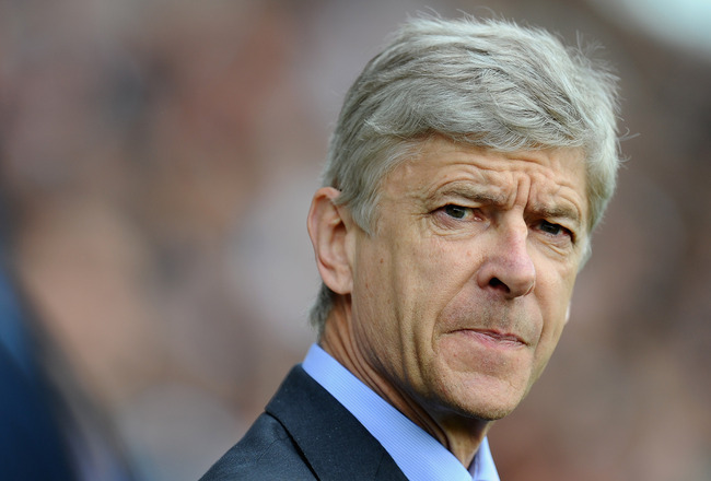 LONDON, ENGLAND - MAY 22:  Arsene Wenger of Arsenal looks on during the Barclays Premier League match between Fulham and Arsenal at Craven Cottage on May 22, 2011 in London, England.  (Photo by Clive Mason/Getty Images)