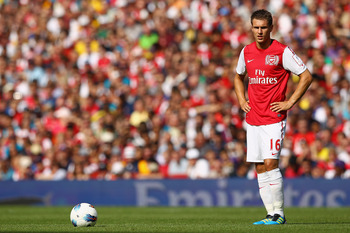 LONDON, ENGLAND - JULY 31:  Aaron Ramsey of Arsenal prepares to take a free kick during the Emirates Cup match between Arsenal and New York Red Bulls at the Emirates Stadium on July 31, 2011 in London, England.  (Photo by Richard Heathcote/Getty Images)