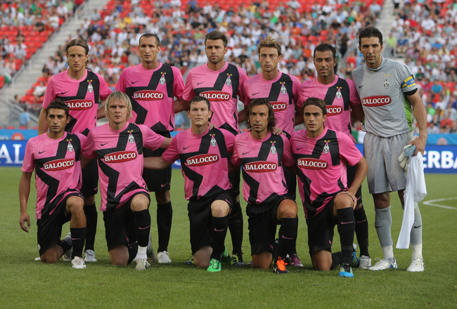 TORONTO, CANADA - JULY 23: Juventus FC poses for a team photo before playing against Sporting Clube De Portugal during their World Football Challenge friendly match on July 23, 2011 at BMO Field in Toronto, Ontario, Canada. (Photo by Tom Szczerbowski/Gett