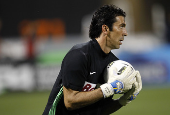 NEW YORK - JULY 26:  Gianluigi Buffon #1 of Juventus FC makes a save during an exhibition game against Club America on July 26, 2011 at Citi Field in the Flushing neighborhood of the Queens borough of New York City.  (Photo by Jeff Zelevansky/Getty Images
